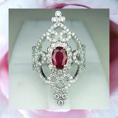 แหวนทับทิมพม่า 1 ct. ประดับเพชร