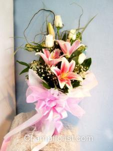 ตัวอย่างการจัดดอกไม้