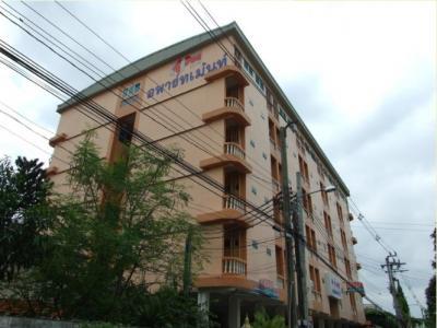 อพาร์ทเม้นท์ ใหม่ ห้องใหญ่ ราคาถูก เฟอร์นิเจอร์พร้อม เข้าอยู่ได้เลย K.P.H. Apartment