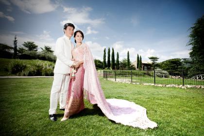 ชุดไทยสวยสุดๆๆดุจนางงาม.!..! มาพร้อมกับสถานที่สุดหรู