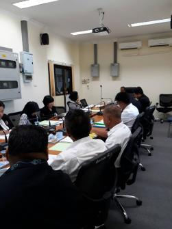 เข้าร่วมประชุมชี้แจงต่อคณะกรรมการพิจารณากลั่นกรองการกู้เงินจังหวัดนราธิวาส