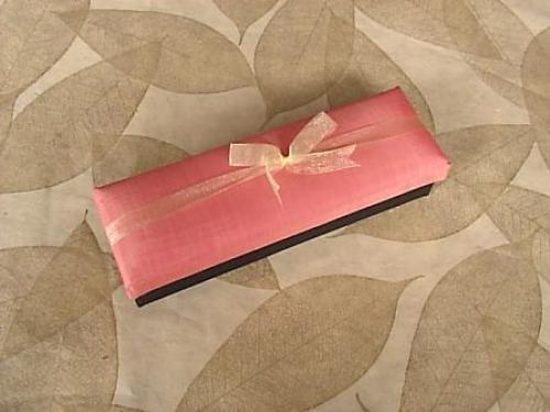 กล่องผ้าไหมของขวัญ ผูกโบว์