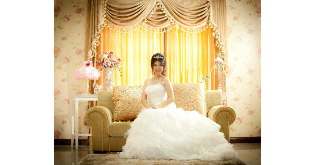ทำไมชุดแต่งงานต้องสีขาว