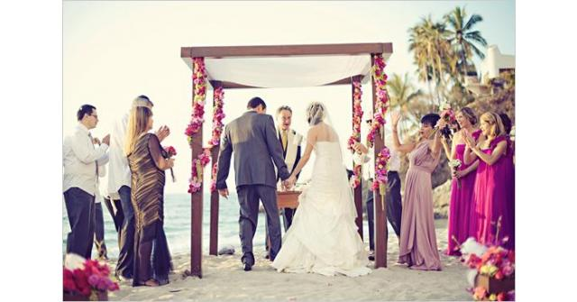 เปิดไอเดีย..แต่งงานริมทะเลสุดโรแมนติก
