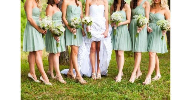 ธีมงานแต่งงานสีเขียว ต้อนรับฤดูฝนที่เย็นฉ่ำและอุดมสมบูรณ์